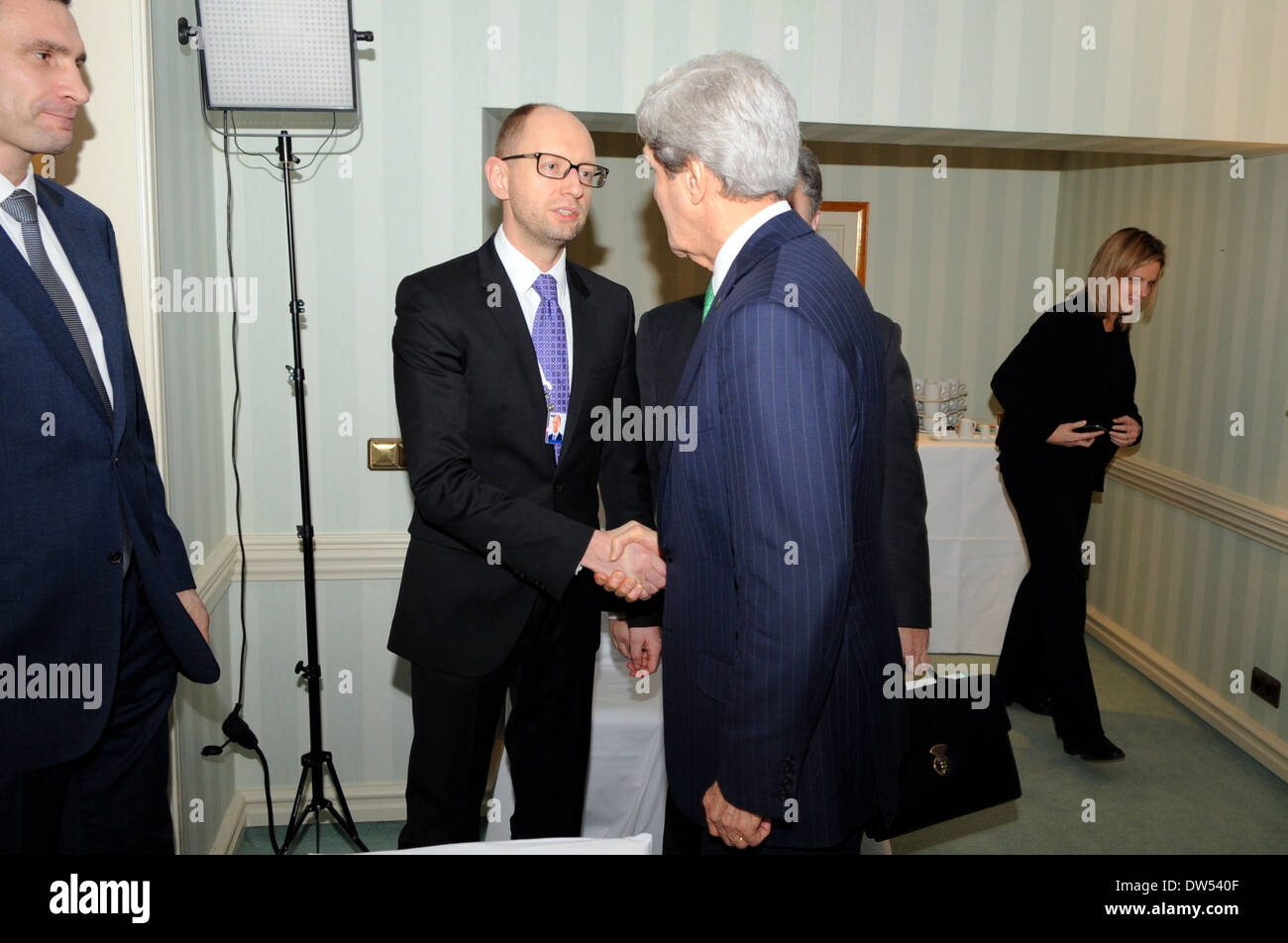 Secretary Kerry Meets Fatherland Party's Yatsenyuk Before Session with Ukranian Opposition Leaders - Stock Image