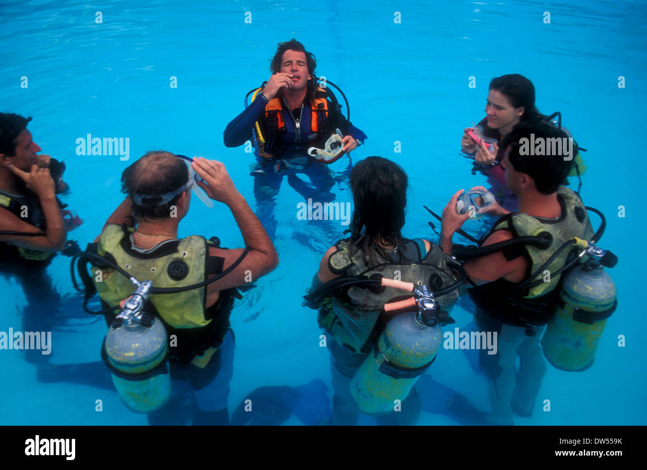 Dive lesson for tourists on holiday in the Indian Ocean - Stock Image