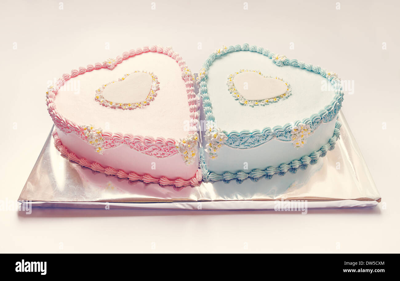 Prime Birthday Cakes For Twins For A Boy And A Girl Shape Of Hearts Funny Birthday Cards Online Unhofree Goldxyz