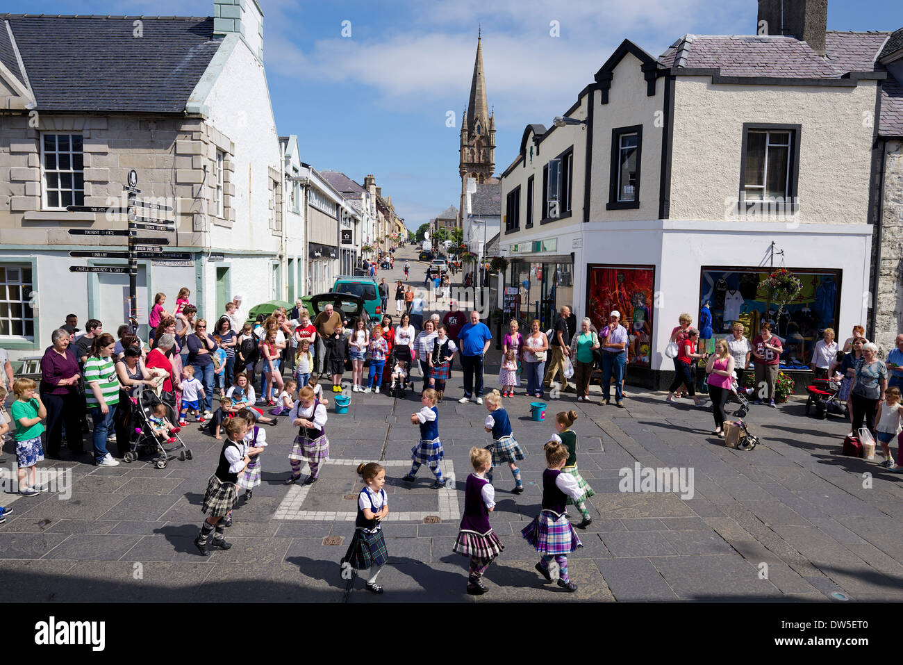 Stornoway, Highland Dancing girls in Stornoway town centre - Stock Image