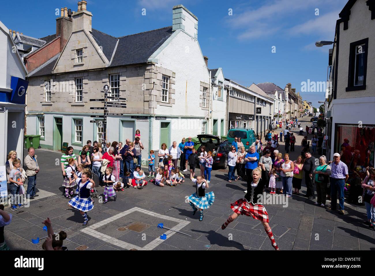 Sword Dancing girls in Stornoway town centre - Stock Image