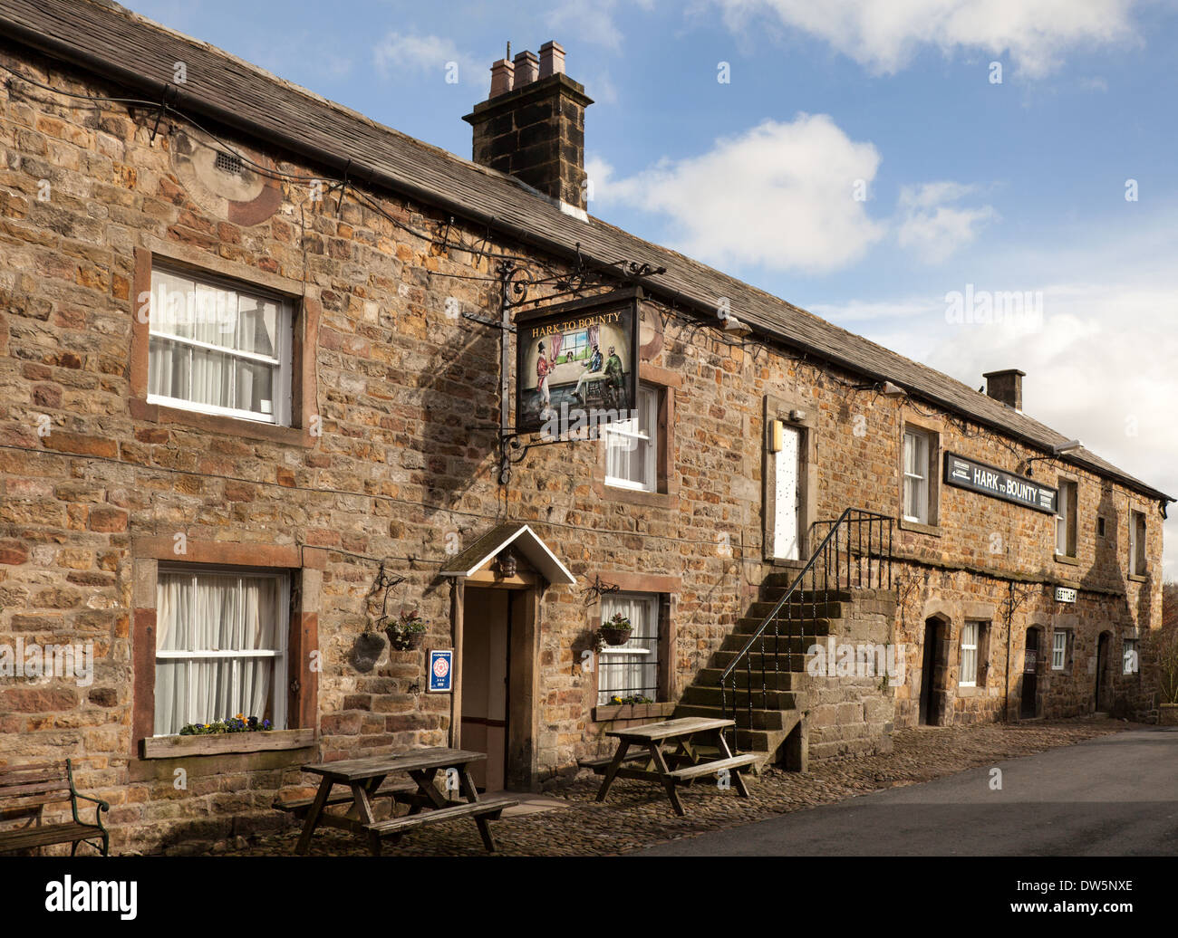 Hark to Bounty coaching inn,  a stone built Country Pub & restaurant in Slaidburn, Trough, or Forest,  of Bowland, Lancashire, UK - Stock Image