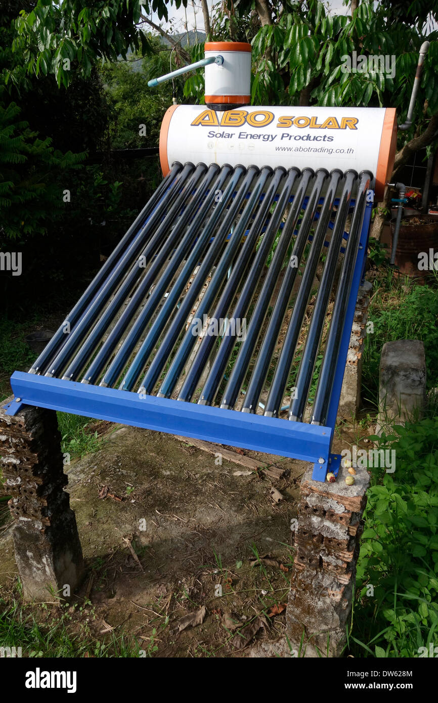 A solar hot water heater at the Pun Pun Farm in Northern Thailand, - Stock Image