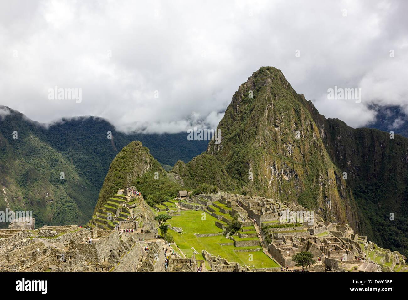 Incan ruins of Machu Picchu with Huayna Picchu, Peru - Stock Image