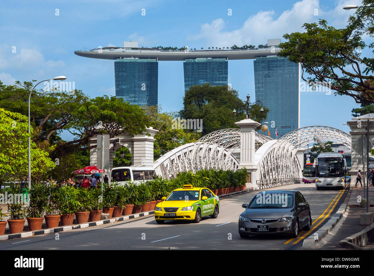 Anderson Bridge and Marina Bay Sands, Singapore - Stock Image