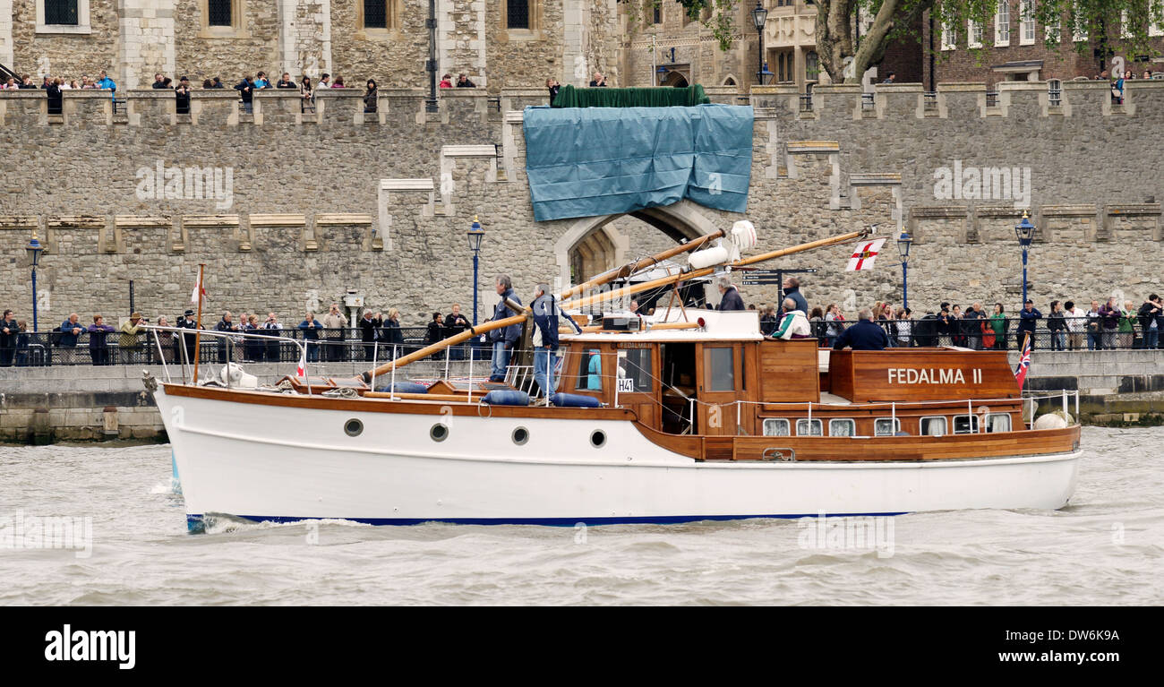1936 Fedalma II motor yacht Dunkirk Little Ship off Tower of London on River Thames - Stock Image