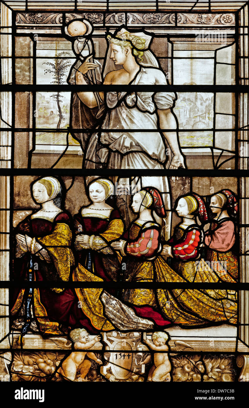 Ecole Francaise, Vitraux des Filles du Connetable Anne de Montmorency 1544 Stained glass window. Musee Conde, Chantilly, France. - Stock Image