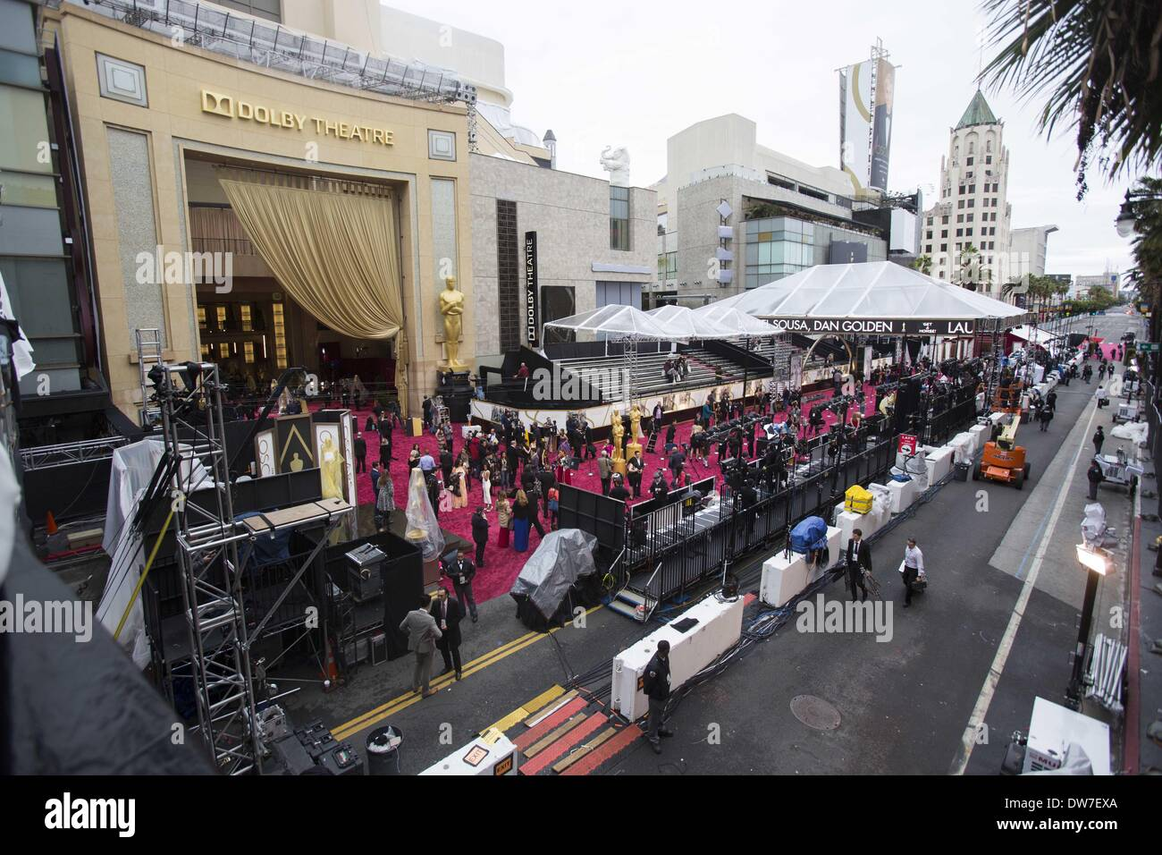 Los Angeles, California, U.S. 2nd March, 2014. A view of the red carpet arrival area outside of the Dolby Theater before the 86th Academy Awards in Los Angeles, Sunday, March 2, 2014. (Credit Image: Credit:  Ringo Chiu/ZUMAPRESS.com/Alamy Live News) - Stock Image