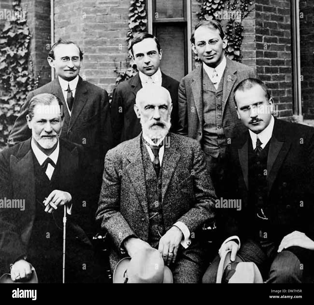 Front row, Sigmund Freud, G. Stanley Hall, Carl Jung, back row, Abraham A. Brill, Ernest Jones, Sándor Ferenczi - Stock Image