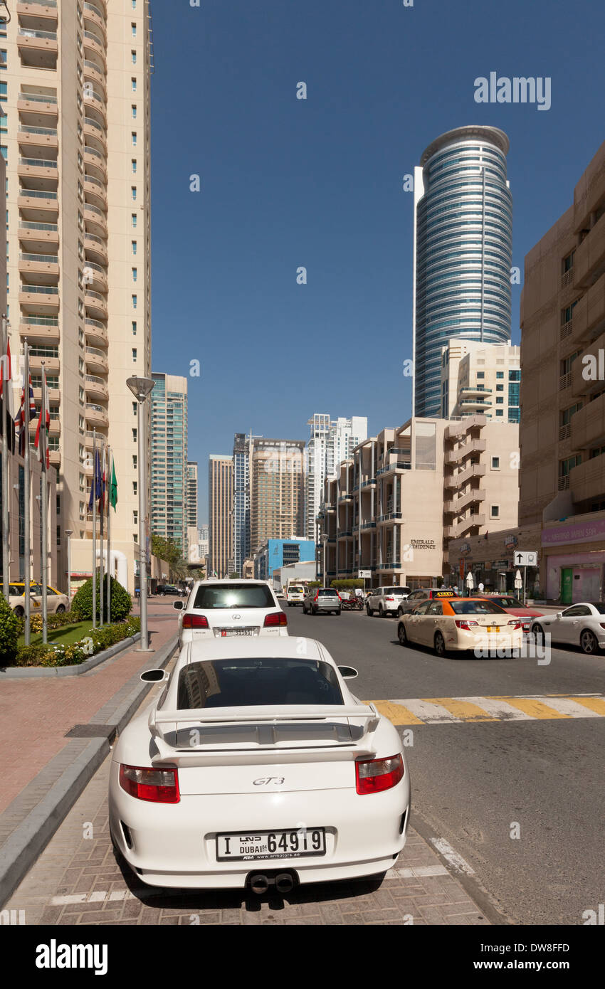 Dubai Luxury Cars High Resolution Stock Photography And Images Alamy