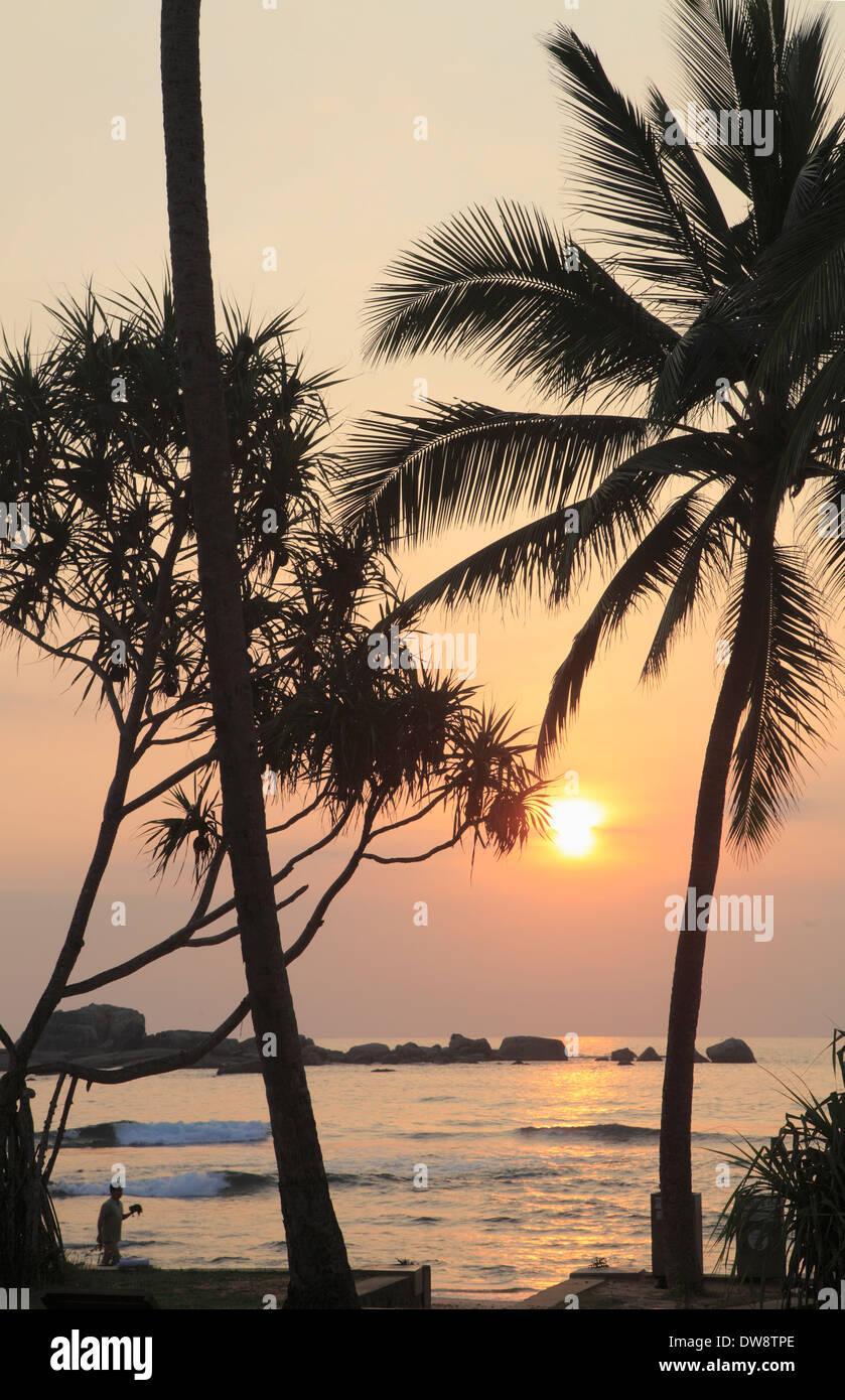 Around Hikkaduwa: Hikkaduwa Sri Lanka Beach Stock Photos & Hikkaduwa Sri