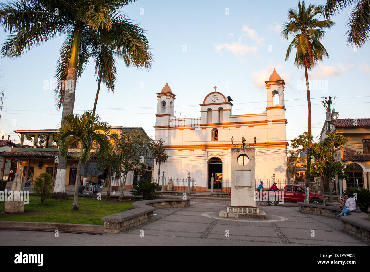 A sunset view of Parque Central in the town of Copán Ruinas, Honduras. - Stock Image