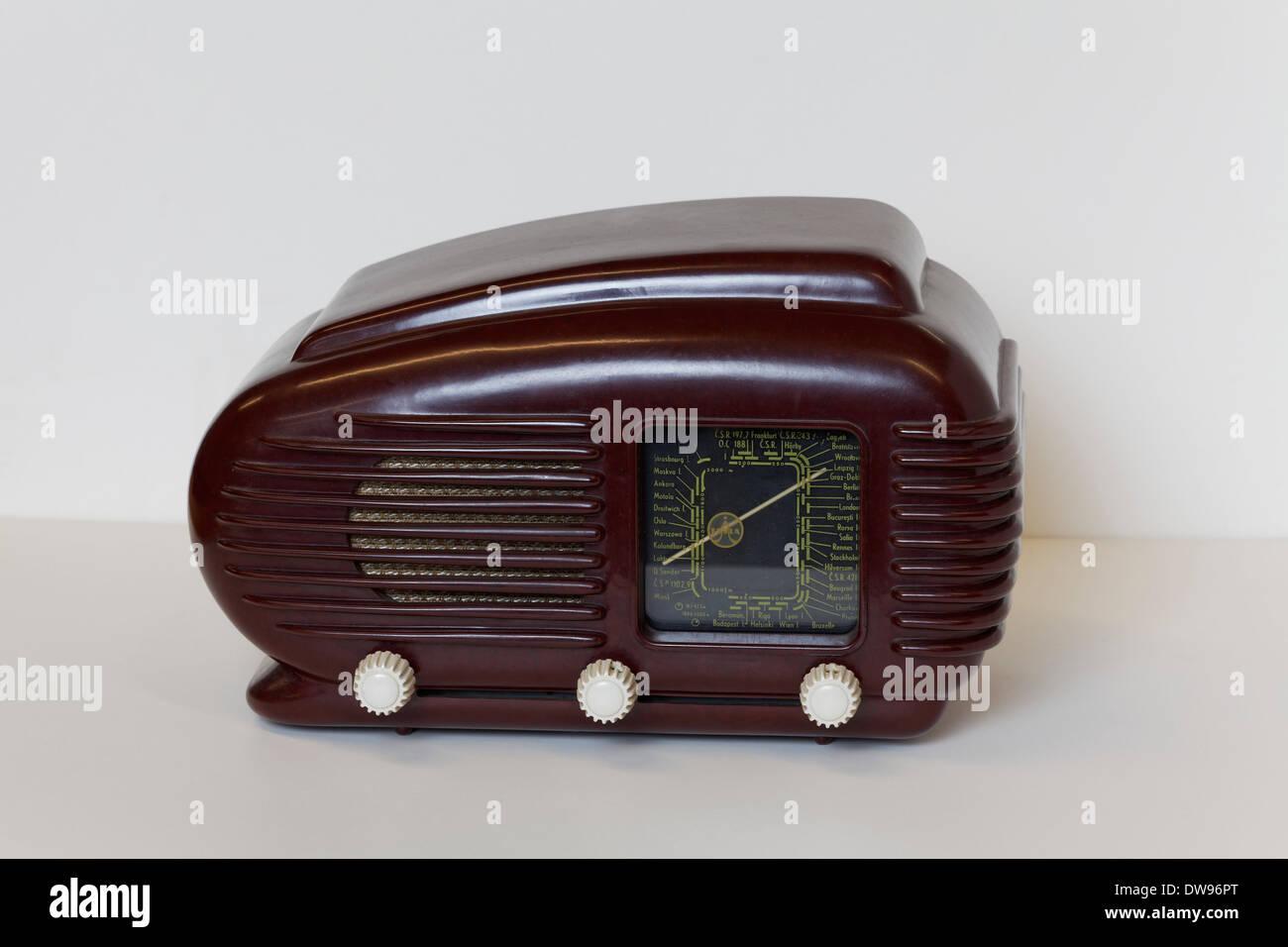 Tesla, model Talisman 308 U, Czech radio from 1948, Art Deco Bakelite housing, Radio Museum Duisburg, North Rhine-Westphalia - Stock Image