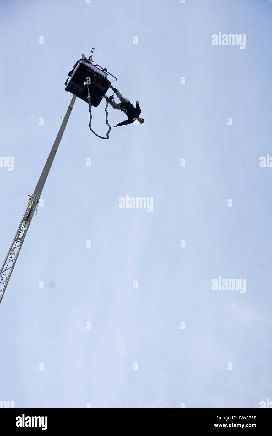 Bumgee jumping, goming,  sport extreme, rope, jumping, crane - Stock Image