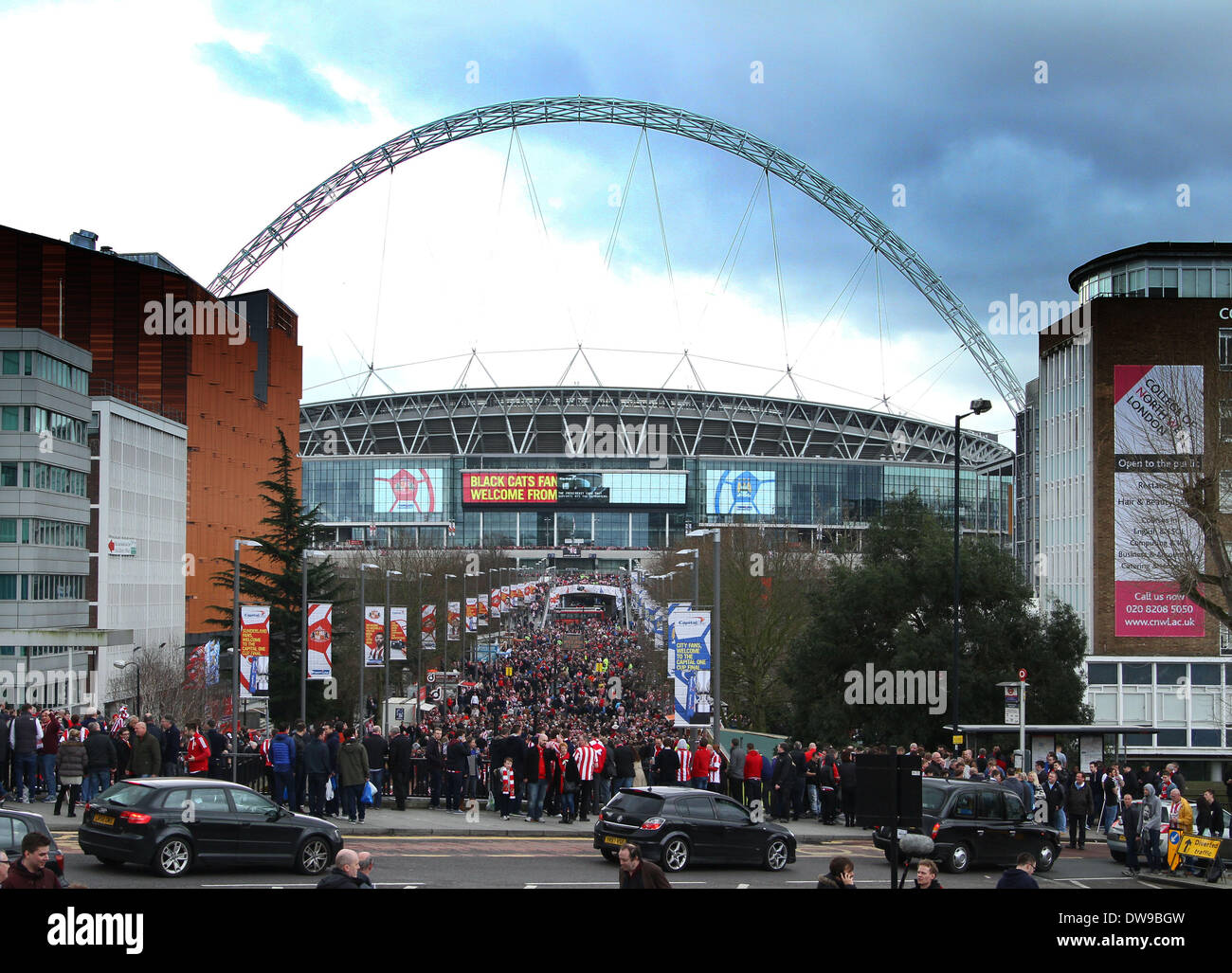 Wembley, London, UK. 2nd March, 2014. Capital One Cup Final - Manchester City v Sunderland.  Fans make their way Stock Photo