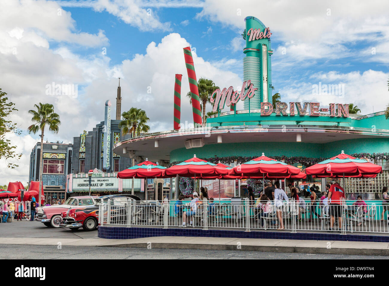 Classic 50s cars at the replica of Mel's Drive-In restaurant at Universal Studios theme park in Orlando, Florida - Stock Image
