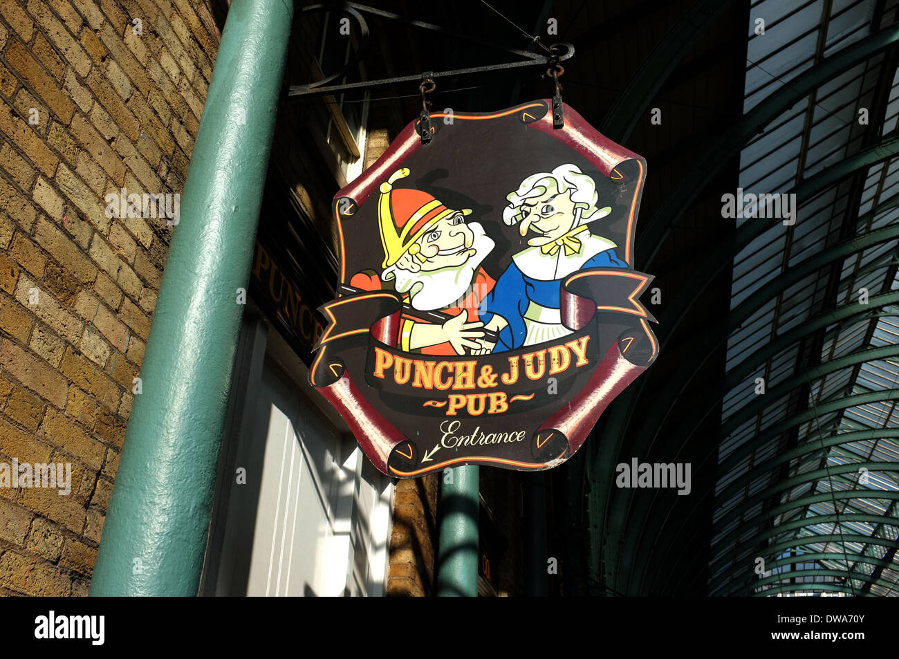 punch and judy pub covent garden market london wc2 uk 2014 - Stock Image