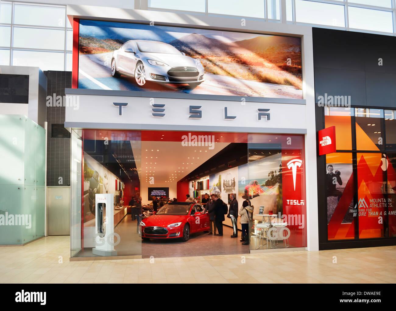 Tesla Motors store display at Yorkdale Shopping Centre, Toronto, Ontario, Canada 2014 - Stock Image