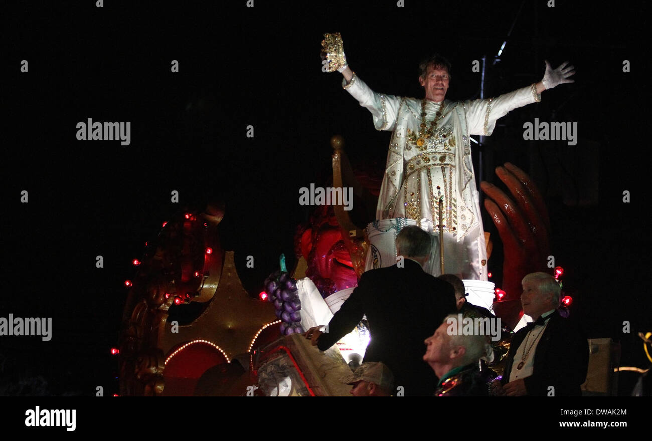 New Orleans, LOUISIANA, USA. 2nd Mar, 2014. Actor Hugh Laurie looks out at the crowd as Bacchus 2014 during the Stock Photo