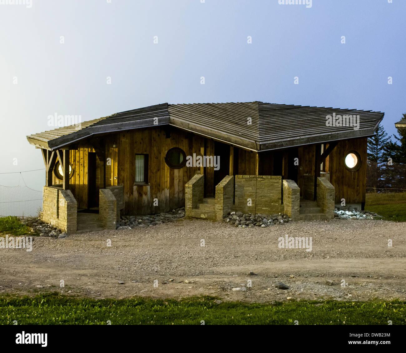 Avoriaz, Avoriaz, France. Architect: Jacques Labro, Simon Cloutier, Jean-Jacques Orzoni, 2014. Chalet les Ardoisieres Stock Photo