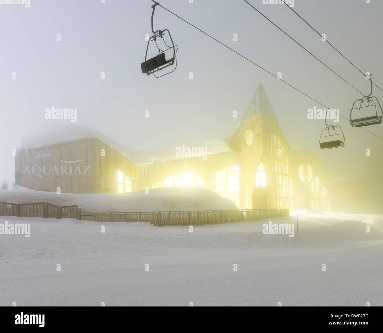 Avoriaz, Avoriaz, France. Architect: Jacques Labro, Simon Cloutier, Jean-Jacques Orzoni, 2014. Aquoriaz (2011) Winter. Stock Photo