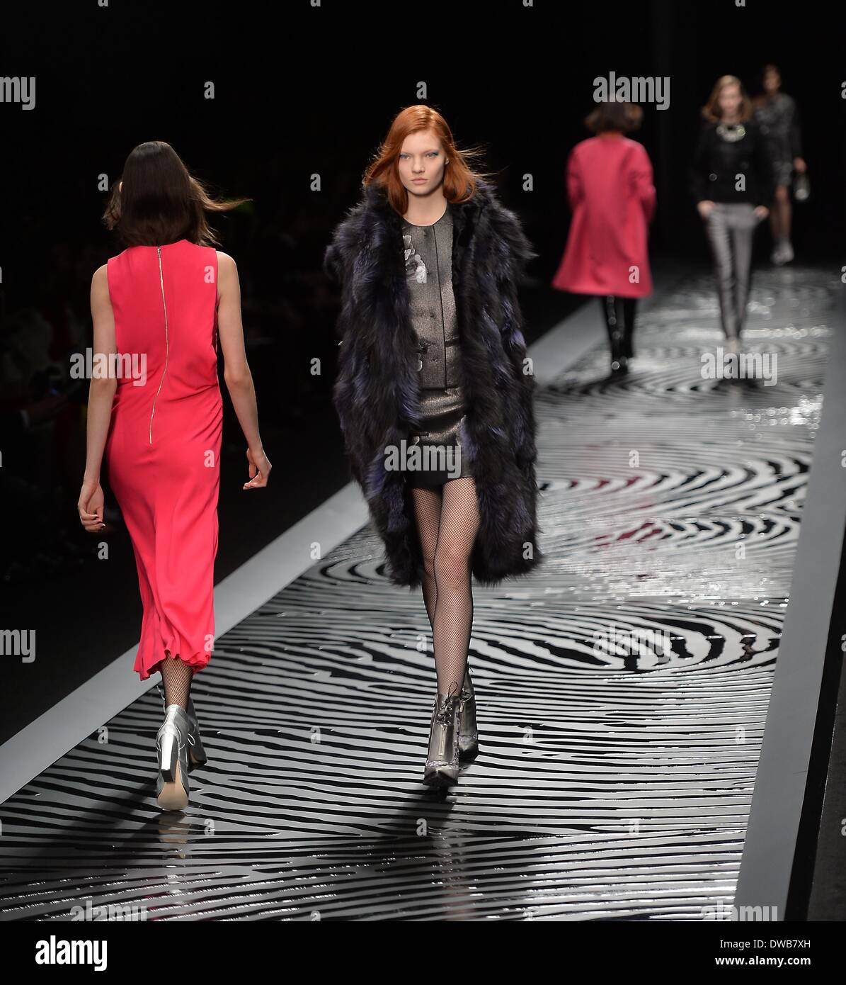 560bebf36dd 4th Mar, 2013. Models present creations by Shiatzy Chen as part of her  women's ready-to-wear Fall-Winter 2014/2015 collection during Paris Fashion  Week in ...