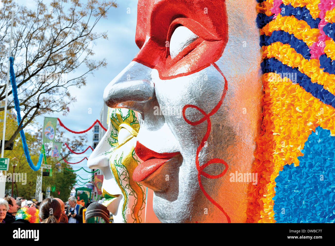 Portugal, Algarve: Giant mask of the carnival parade of Loulé - Stock Image