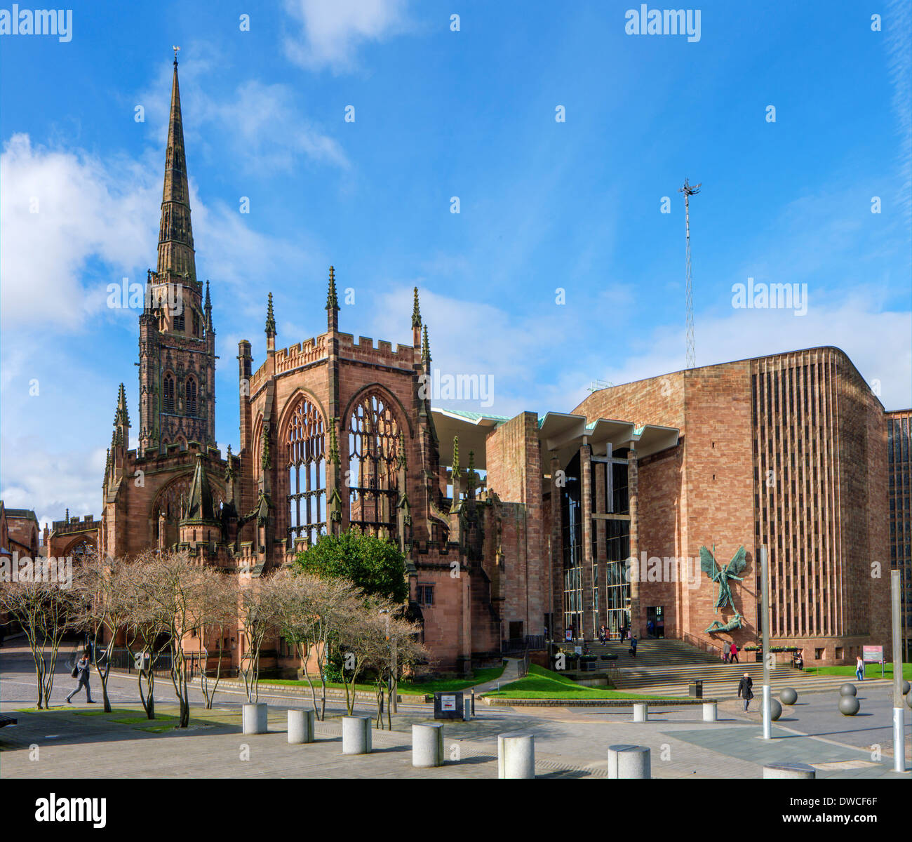 Coventry Cathedral ( St Michael's Cathedral ) old and new buildings, Coventry, West Midlands, England, UK - Stock Image