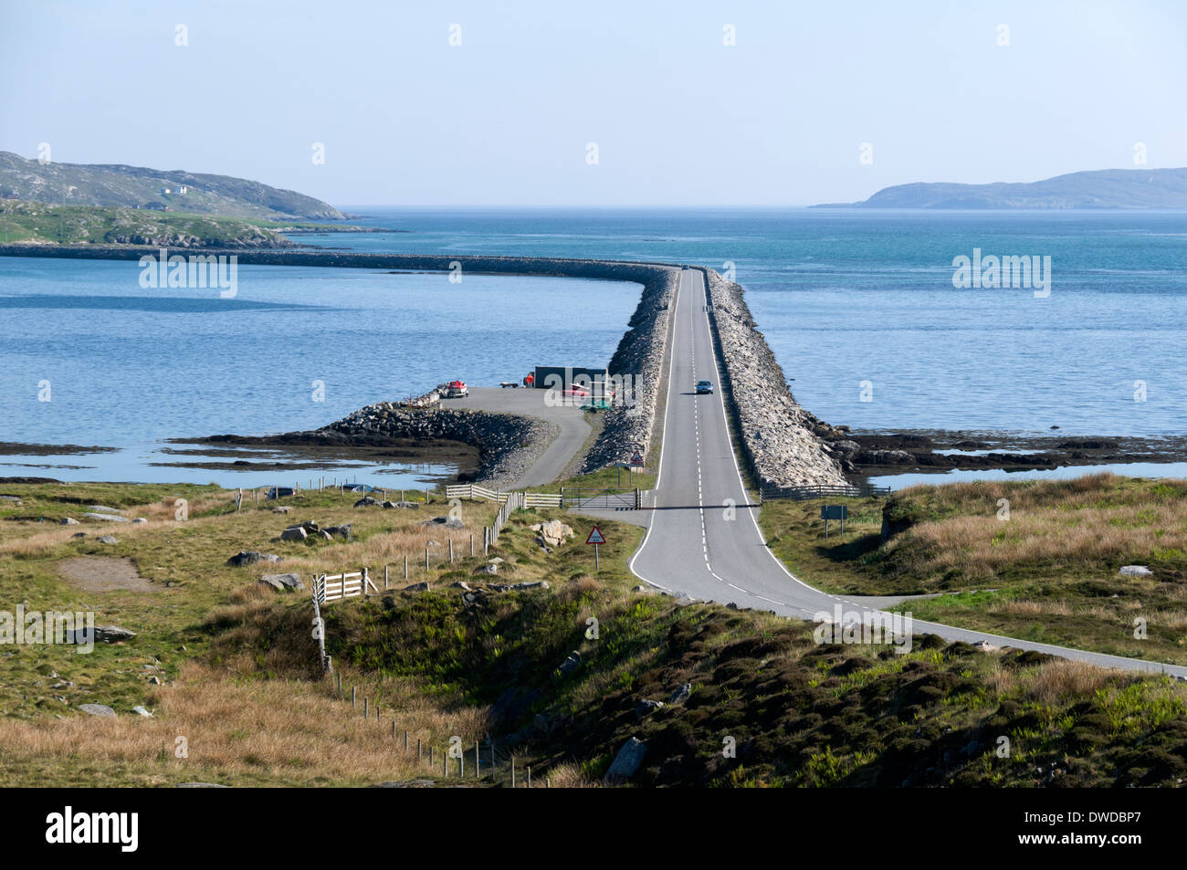 The Eriskay Causeway, linking the Islands of Eriskay and South Uist, Western Isles, Scotland, UK.  Seen from the Sth. Uist side. - Stock Image