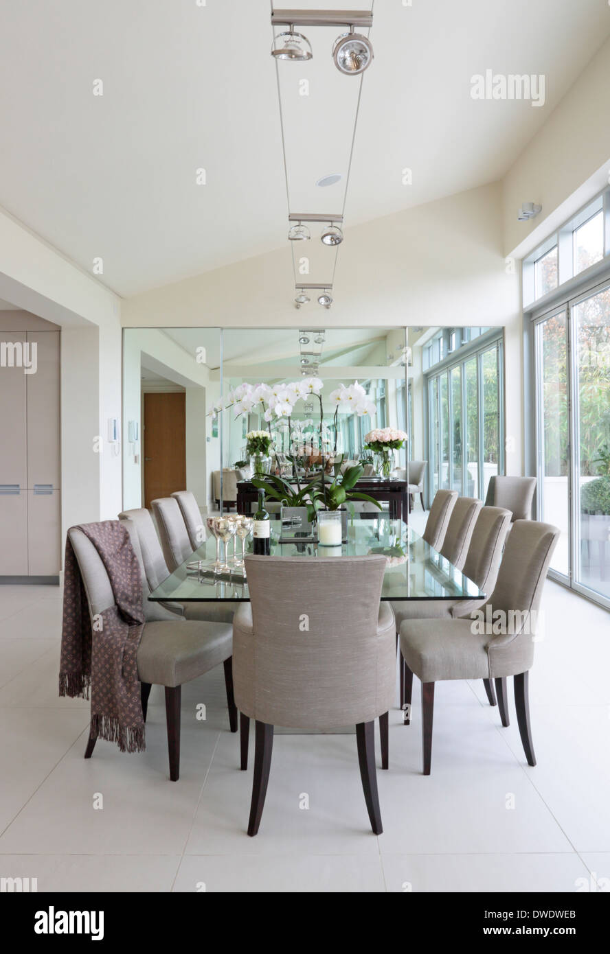 Attractive English American Country Home Interiors, London, United Kingdom. Architect:  DK Interiors, 2013