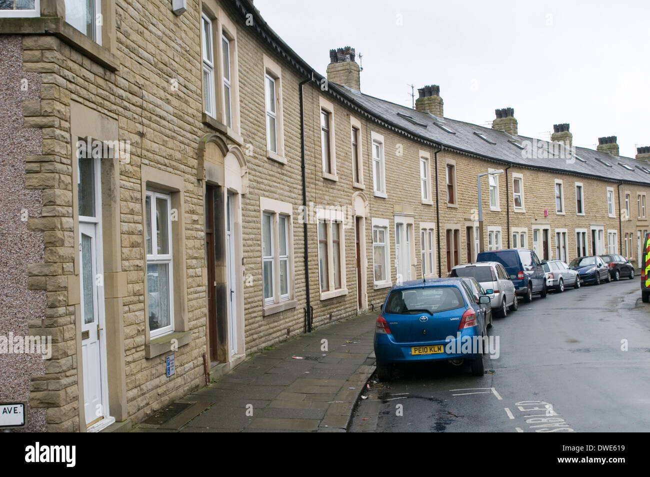 terraced house houses housing terrace north uk northern england in the street streets working class home homes terraces Stock Photo