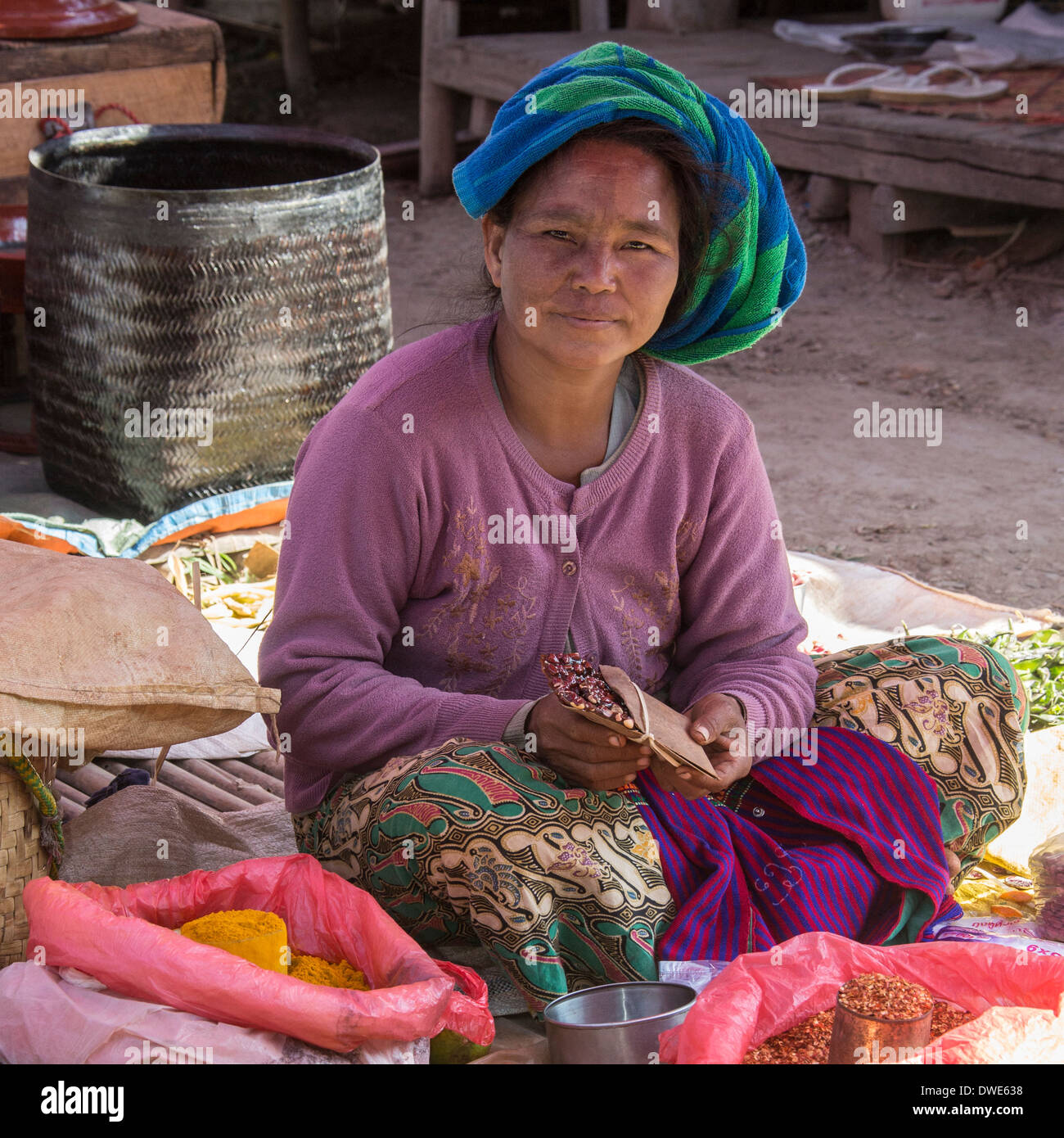 Everyday scene at a market in the ancient city of Bagan in Mayanmar (Burma) - Stock Image