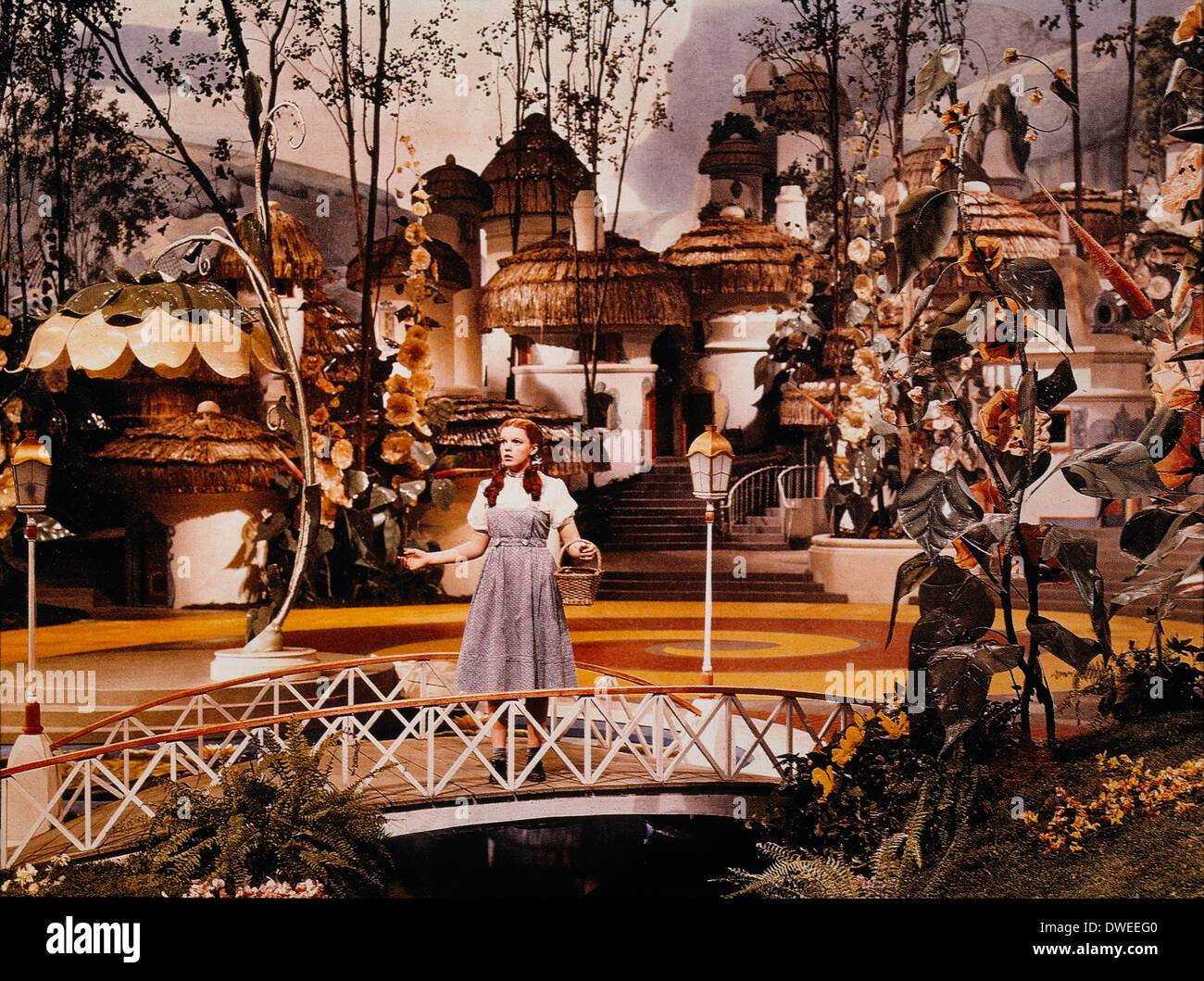 Judy Garland, on-set of the Film, 'The Wizard of Oz', 1939 - Stock Image