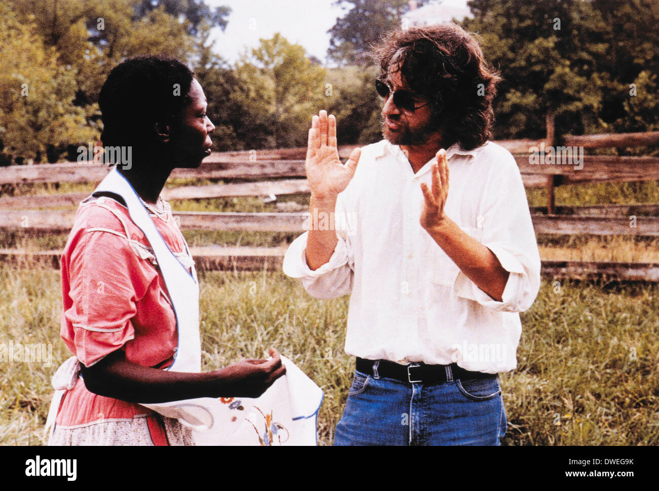 Steven Spielberg and Whoopi Goldberg, on-set of the Film,'The Color Purple', 1985 - Stock Image