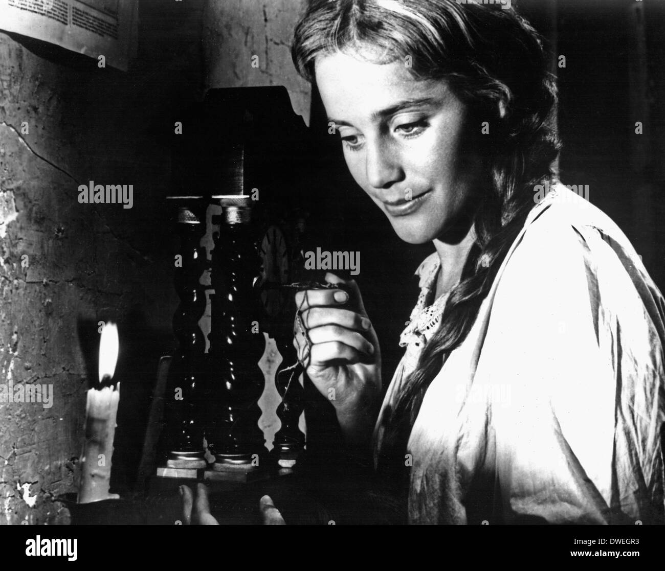 """Maria Schell, on-set of the Film, """"Gervaise"""" directed by René Clément, Close-Up, 1956 Stock Photo"""