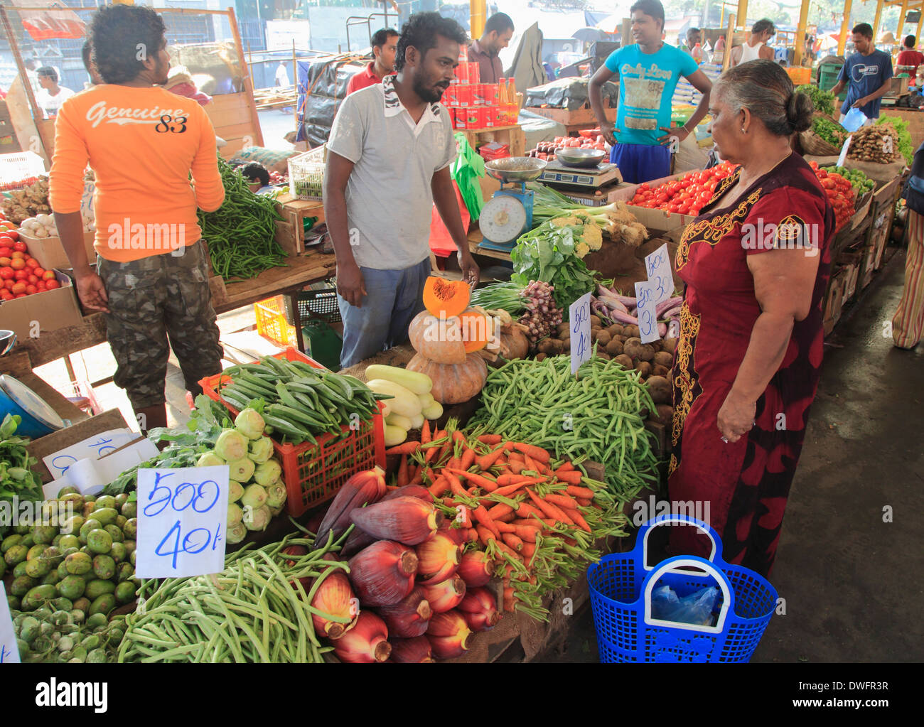 Sri lanka colombo pettah market vegetables people for Pettah market colombo