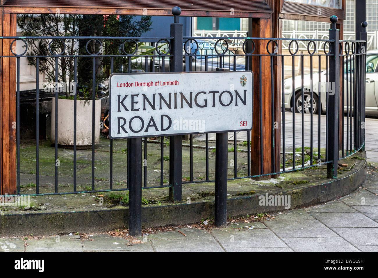 Kennington Road street sign and crest, London Borough of Lambeth, Southwark, South London, SE1 - Stock Image