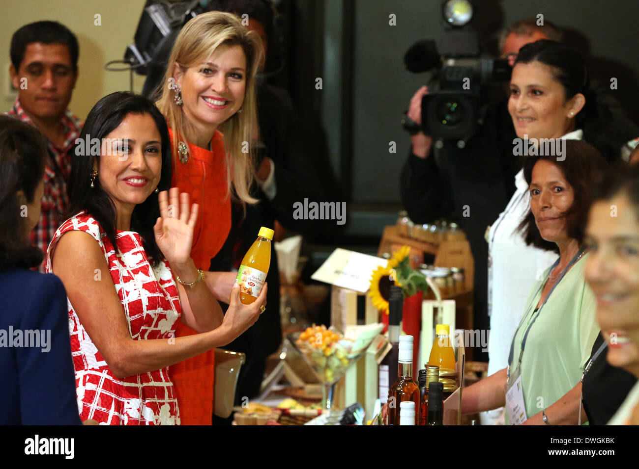 Alamy - Nadine Stock First Mar 67363959 2014 Heredia 7th Photo Lady Lima Peru Peruvian