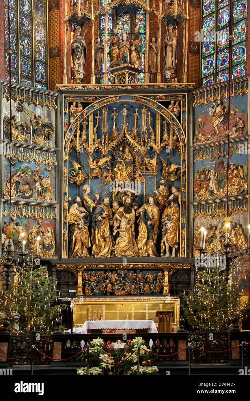 The High Altar by Veit Stoss (Dates from 1478) in the Church of St Mary in  the Main Square (Rynek Glowny), Krakow, Poland