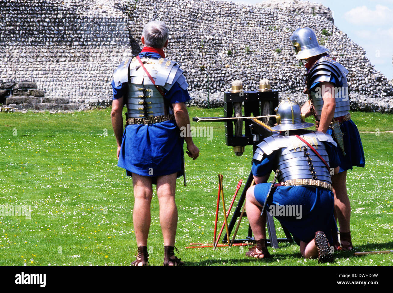 Roman ballista and soldiers, 2nd century, historical re-enactment soldier weaponry England UK - Stock Image
