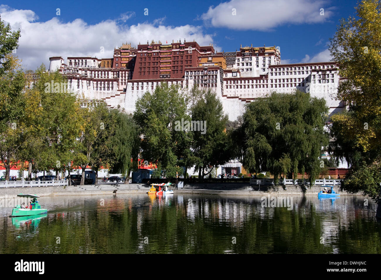 Potala Palace in the city of Lhasa in Tibet (Tibet Autonomous Region of China). - Stock Image