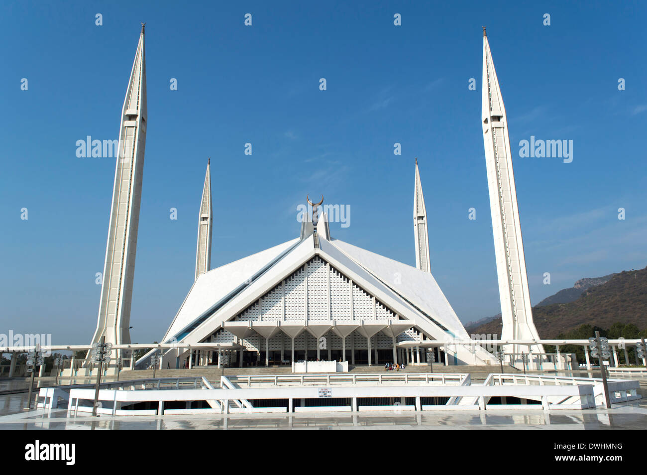 the great faisal mosque islamabad pakistan most beautifull and world largest hall Stock Photo