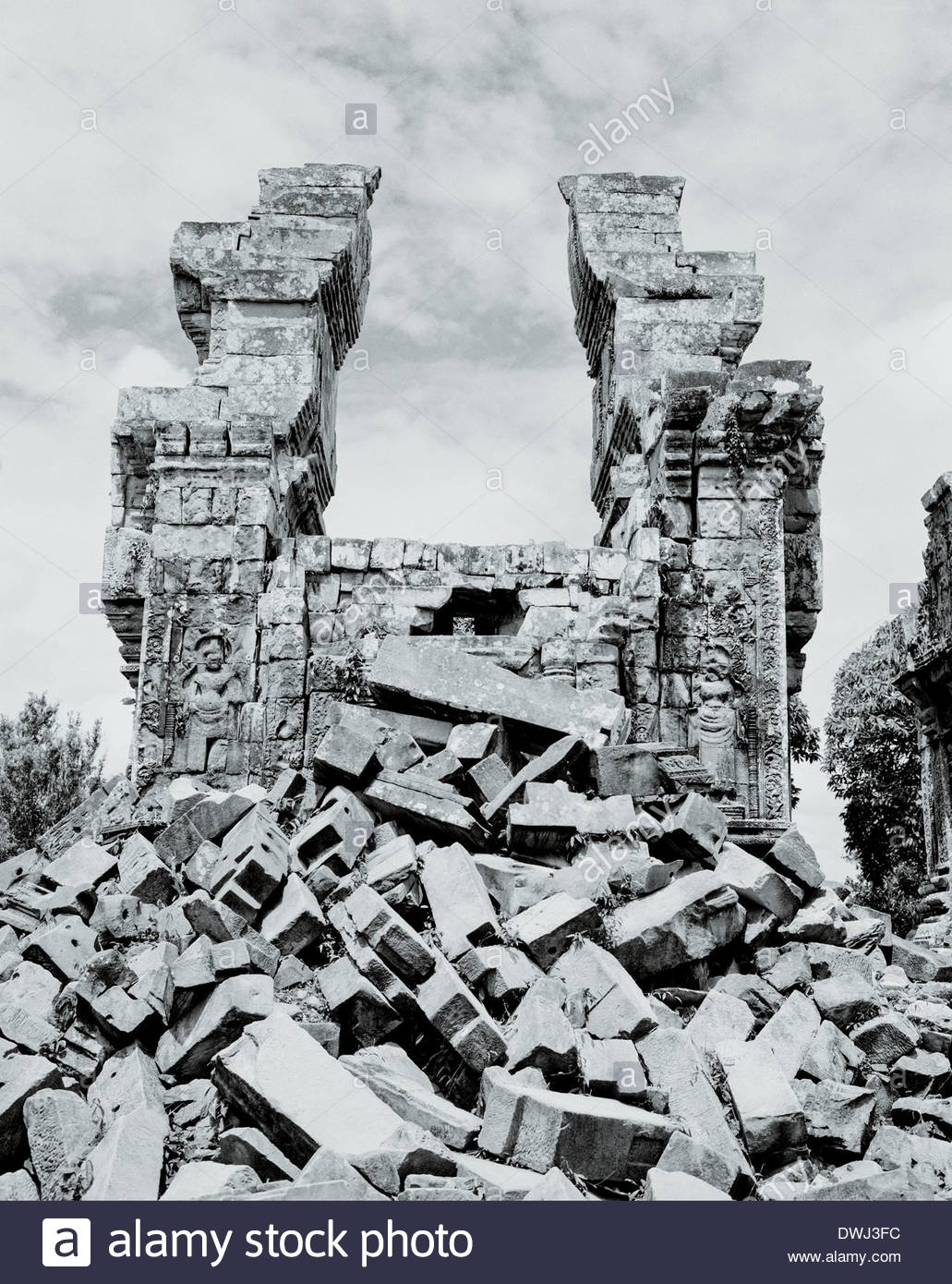 The ruined towers of Phnon Bok, Siem Reap, Siem Reap province, Cambodia, South East Asia. - Stock Image