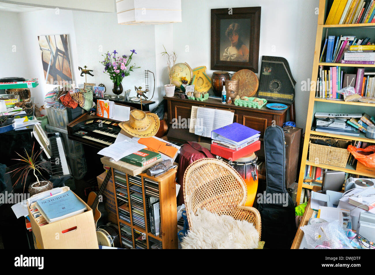 Room stacked full of possessions - Stock Image