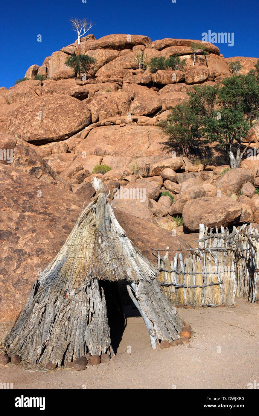Namibian bushman dwelling in Damaraland in Namibia - Stock Image