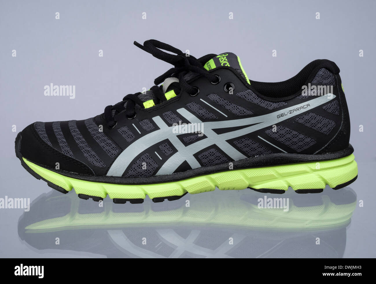 huge discount elegant and sturdy package retail prices Black and neon green Asics Gel Zaraca 2 running shoe Stock ...