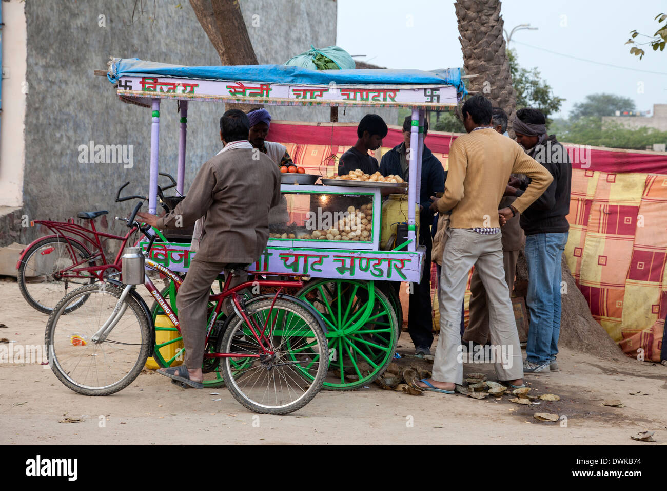 Bharatpur, Rajasthan, India. Local Fast Food Stand. - Stock Image