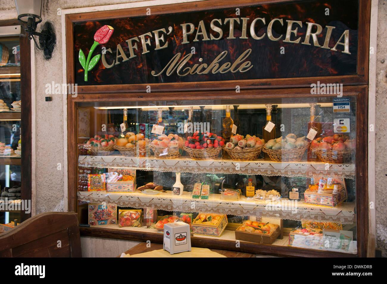 Cake shop, Erice - Stock Image