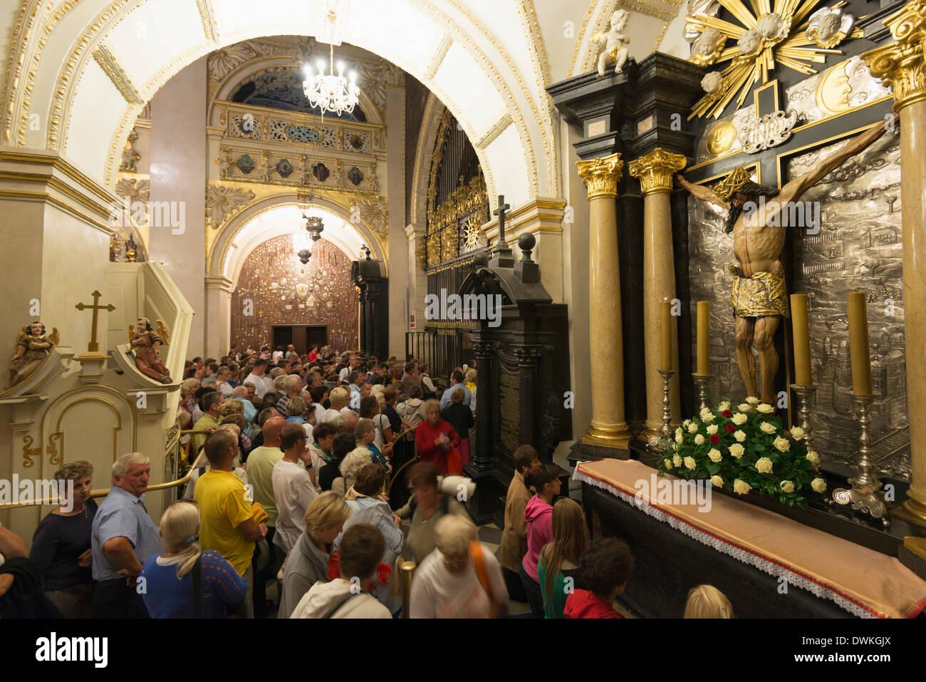 Pilgrims at Monastery of Jasna Gora, during the Marian Feast of Assumption, Czestochowa, Malopolska, Poland, Europe - Stock Image