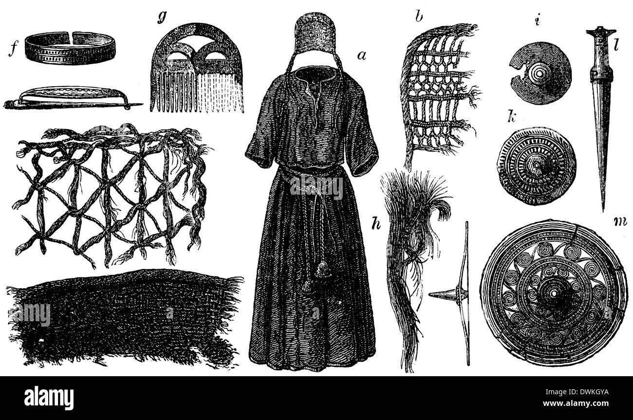 Abbildungen der weiblichen Kleidung aus dem Vorraum der Fundstätte in Borum-Eshöi, Jütland - Stock Image